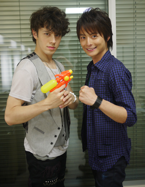 October 2, 2010 at 2:25 am (WaT) (eiji wentz, teppei koike, WaT)